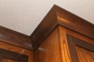 Kitchen cabinet and ceiling trim